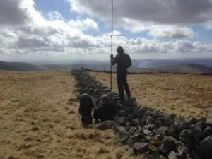 M0BLF and M0TNR working from Stoney Cove Pike with M6IKY functioning as antenna support.